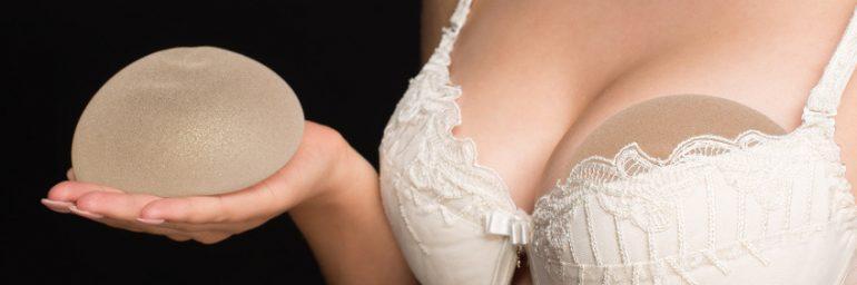 Implantatwechsel: Wann ist der Austausch eines Brustimplantats nötig?