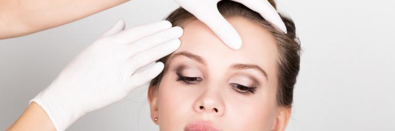 Schönheits-OP beim Spezialisten: Wie viele OPs führt ein Facharzt im Jahr durch?