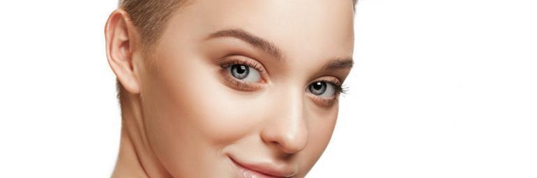 Müde Augenpartie ade – so lassen sich Tränensäcke entfernen